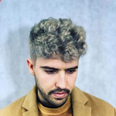 65 Sexiest Curly Hairstyles For Men Menhairstylist Men Hairstylist