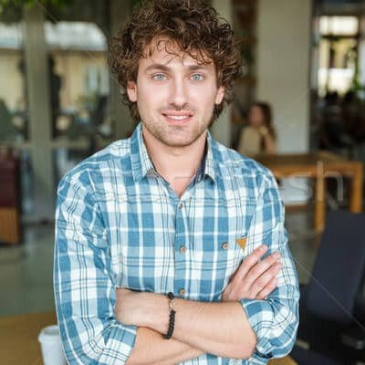 Guy in shirt with natural curls