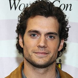 Henry Cavill straight to curly