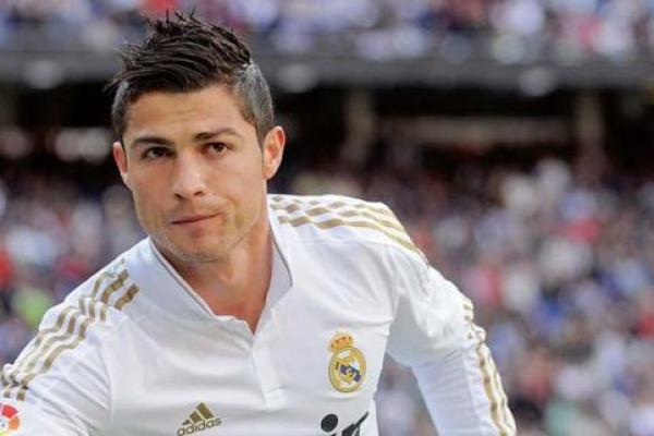 Cristiano Ronaldo Hair Styles: 40 Most Popular Soccer Haircuts That Will Flatter You
