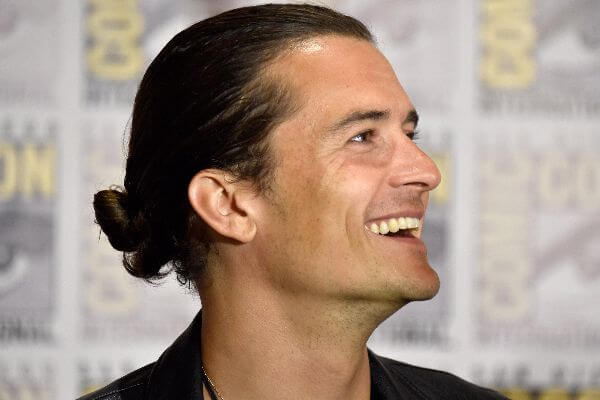 orlando bloom smiling