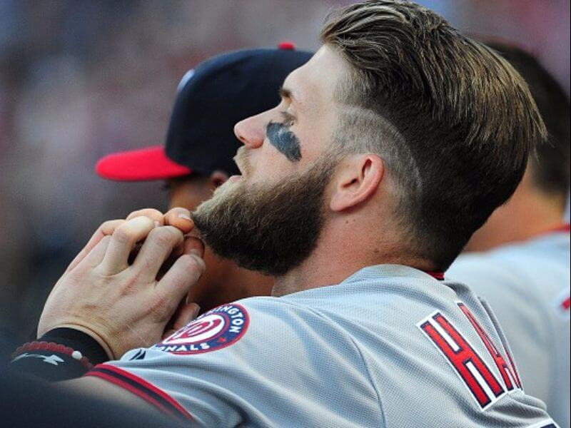 bryce harper paying attention to something