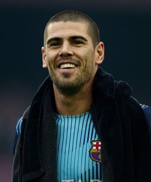 victor valdes barcelona soccer haircuts