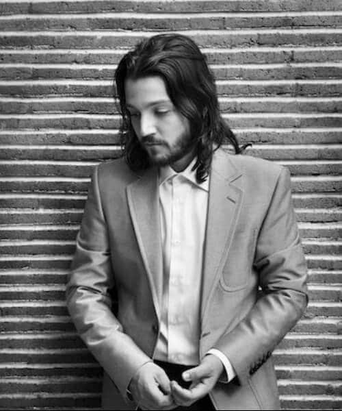 diego luna medium hairstyles for men
