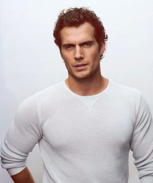 henry cavil short curly hairstyles for men