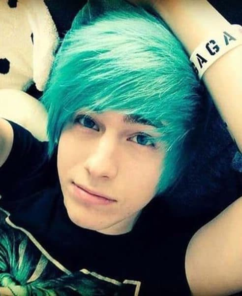 45 Modern Emo Hairstyles For Guys That Want That Edge Menhairstylist Com