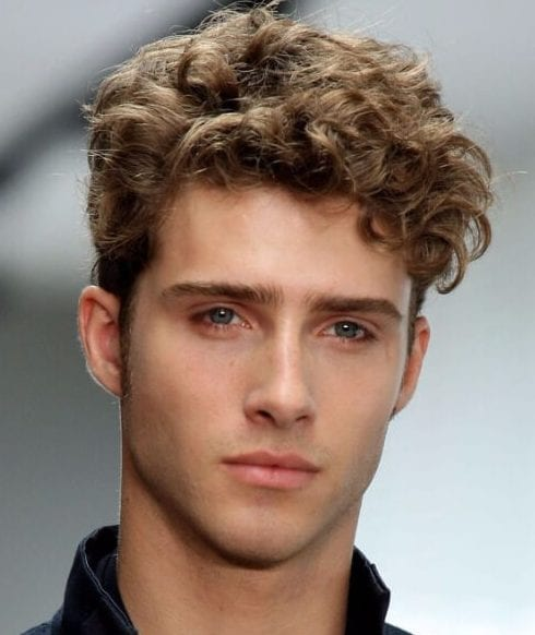 natural short curly hairstyles for men