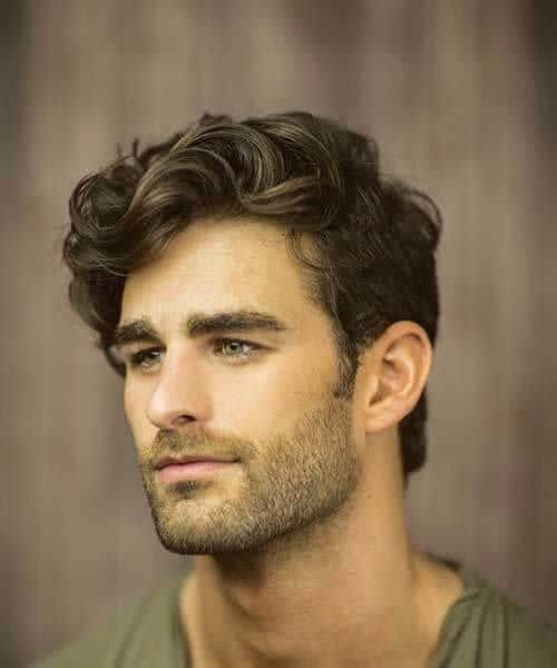 short casual hairstyles for men with wavy hair