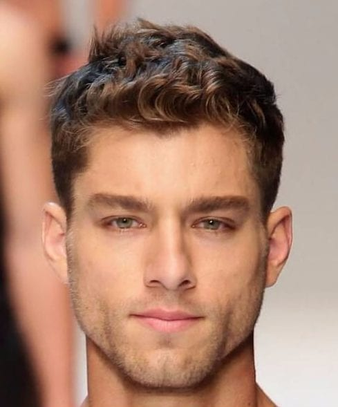 short hairstyles for men with wavy hair