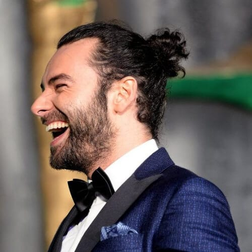 aidan turner hairstyles with beard
