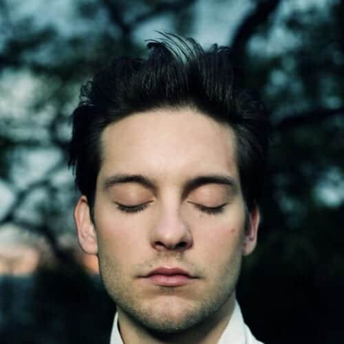 tobey maguire mens hairstyles for oval faces