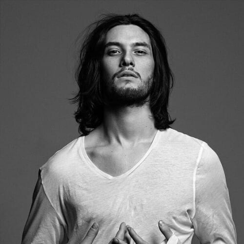 ben barnes mens shoulder length hairstyles