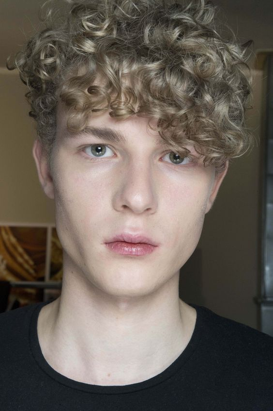 Blonde Curly Top, Short Sides