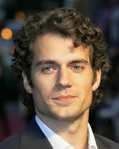 Henry Cavill Medium Curly Hair