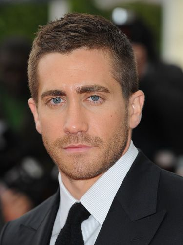 Jake Gyllenhaal overgrown buzz cut